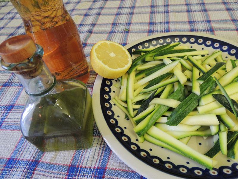 Zucchine crude alla julienne tuttafirenze for Verdure alla julienne
