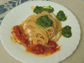 Spaghetto grosso al pesto di cavolo nero