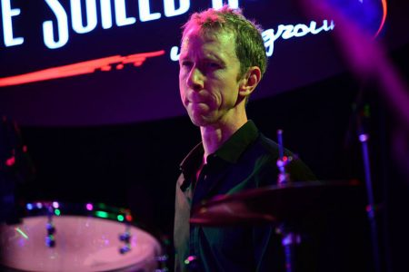 "Chris Searles, a ritmo di batteria e di ""madre natura"""