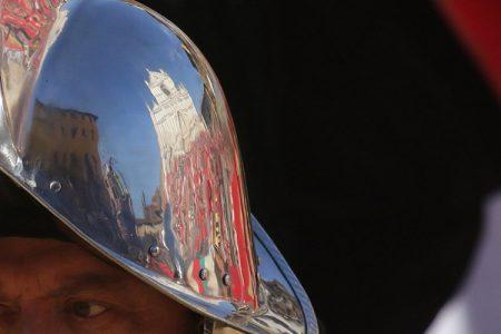 Calcio storico fiorentino: i Rossi battono i Verdi