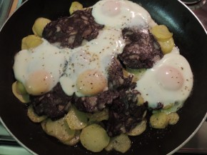Uova patate e buristo
