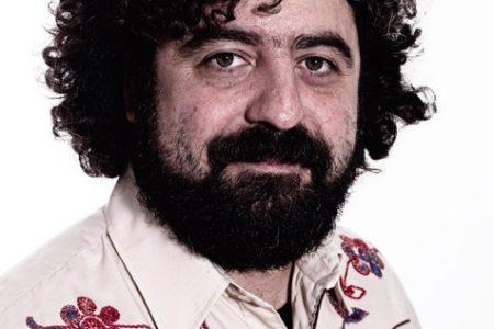 """Andrea Parodi, cantautore che costruisce """"ponti"""""""
