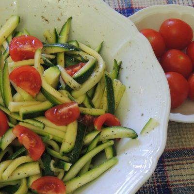 Zucchine crude alla julienne