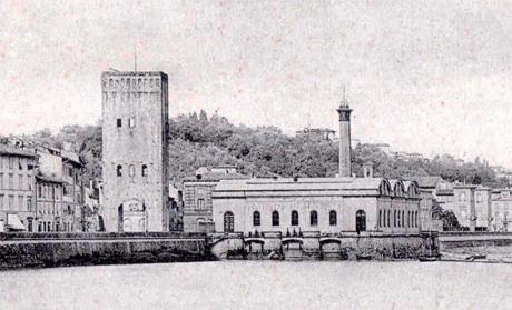 Le 'macchine dell'acqua', presso la torre di San Niccolò
