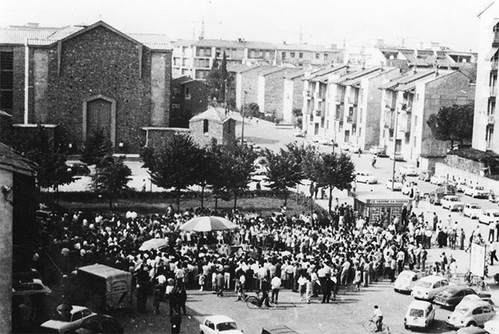 piazza dell'Isolotto negli anni '70, da http://www.comune.fi.it/export/sites/retecivica/comune_firenze/bandi/elenco_bandi.html