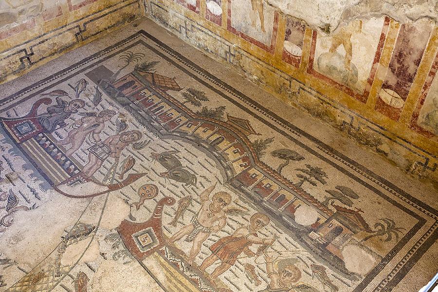 Uno dei molti mosaici della villa del Casale a Piazza Armerina