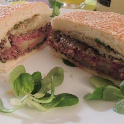 Hamburger dal cuore di formaggio