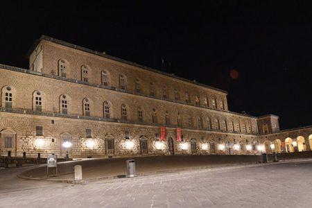 Firenze in quarantena di notte